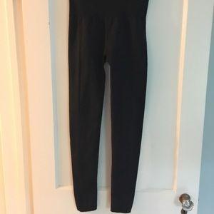 Outdoor Voices black compression leggings